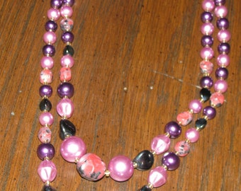 Carnival glass and PLUM  baroque mottled glass 2  strand bead cascading bib necklace from 1950s - JAPAN signed