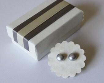 7-7.5 mm Silver grey fresh water pearl stud earrings, Grey Bridesmaid earring, Sterling Silver, Gray earrings