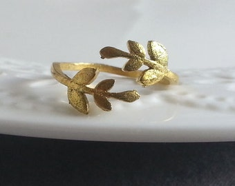 Brass Leaf Ring. Ring Band . Gold Leaf Ring. Adjustable Ring. Stackable Ring