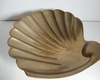 Brass Footed Sea Shell Dish, Scallop Shell, Dresser Caddy, Clam Shell bath Caddy