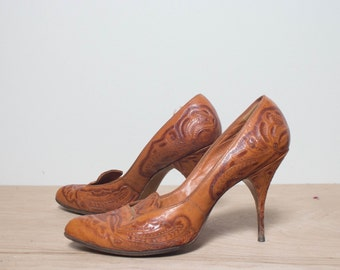 6.5 B | 1950's Vintage Tooled Leather High Heels