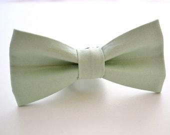 Mens Bow Tie- Kona Cotton in Seafoam, Pale Green Bow Tie, Light Green Bow Tie, Pastel Green, Groomsmen Bow Tie