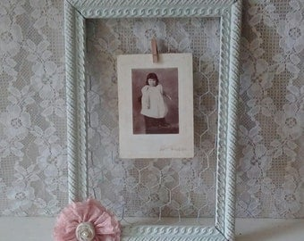 Chicken wire frame, Antique Picture Frame, Wall decor, Shabby Cottage, French Farmhouse, Jewelry Organizer, Home decor