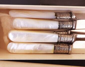 Antique Meriden Silver and Pearl Knife Set, Vintage Cutlery Set, Vintage Knives, Kitchen Cutlery, Serving Utensils, Flatware, Silverware