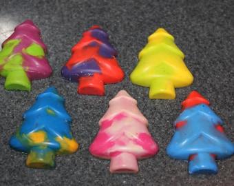 Recycled Crayons. Christmas Tree Crayons. Kids Crayons. Christmas Tree. Christmas. Party Favors. Set of 6 Crayons. Rainbow Crayons.