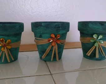 3-Mini hand crafted pots