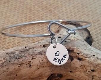Mom Bangle Bracelet - Grandma Bangle Bracelet - Heart Bangle - Personalized Bangle Bracelet - Custom Bracelet - Charm Bracelet