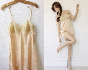 1930's Silk Teddie, Peach Pink Lingerie, White Lace Details, Spaghetti Straps, Fitted Bust, Nightie with Tap Pants, Size Small or Medium
