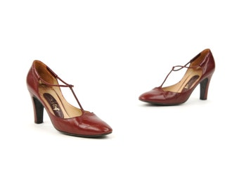 Vintage 1970's Burgundy Dark Red Leather T-Strap Spanish High Heel Preppy Shoes 6