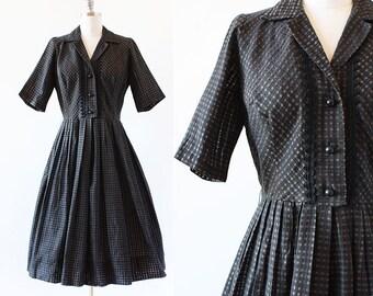 Black and Brown Checkered Dress / 1950s Dress / 1950s Plaid Dress / Day Dress / 1950s Shirtwaist / Pleated Skirt / Medium 29 Waist 40 Bust