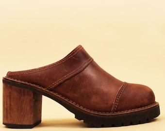 70s Vtg Genuine Leather Mule Rusty Brown Distressed CLOG / Platform WOOD Chunky Heel Boho Hippie Slip On 8 Eu 38 39