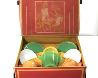 Akro Agate No 1060 Child's Jade Tea Set