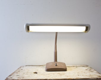 Vintage Industrial Lamp - Brown Gray Tan Vintage Gooseneck Desk Lamp Vintage Light Madmen Office Decor Flourescent