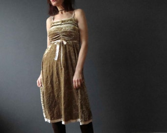 Vintage 80s 90s Honeycombe Gold Crushed Velvet Russian Princess Dress