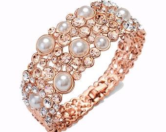 Rose gold Bridal bracelet, Wedding bracelet, Wedding jewelry,bridal jewelry, Pearl cuff bracelet, bridesmaid bracelet, crystal cuff bangle