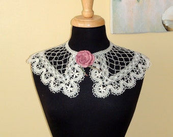 Bobbin Lace Collar  hand made lace beige off white