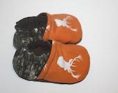 Deer camo baby shoes camo baby baby Booties, mossy oak baby shoes,camouflage baby shoes slippers newborn booties mossy oak shoess