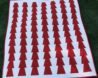 "Wall Quilt, Quilt On Sale,  Modern Quilt, Home Decor, Art Quilt, Red and White Quilt, 33"" x 38"""