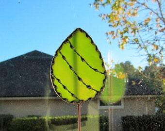 Stained Glass Easter Egg Garden Stake/Garden Marker in Lime Green Opalescent Glass - Medium Egg Plant Stake