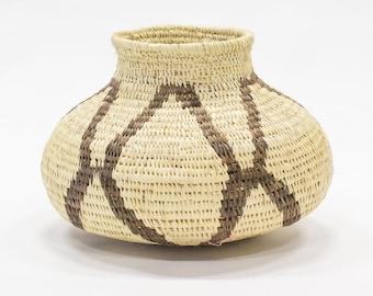 Handwoven Panama Basket, Embera Wounaan Provence, Made of Chunga Fiber