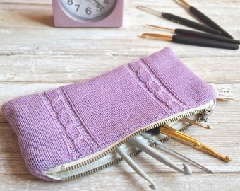Zipper pouch, knit clutch purse, cosmetic bag, knitted pencil case