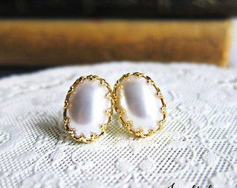 Pearl Earrings Studs Bridal Jewelry Bridesmaid Earrings Gold Earrings Bridal Earrings Wedding Pearl Earrings Modern Victorian Elegant MS1