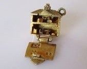 9ct Gold Dolls House Vintage Charm Opens