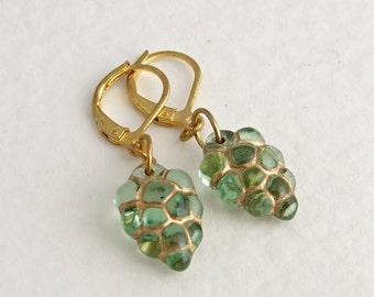 Green Grapes Earrings .. peridot green earrings, fruit earrings, vintage glass earrings