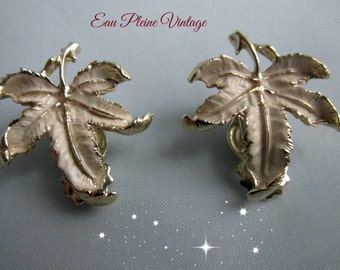 Goldtone Leaf Design Earrings Clip Vintage Jewelry