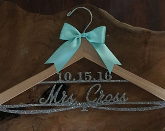 Wedding Hanger, Personalized Bride Hanger, Bridal Hanger, Glitter Hanger, Bling Hanger, Sparkle Hanger, Acrylic Hanger, Showe
