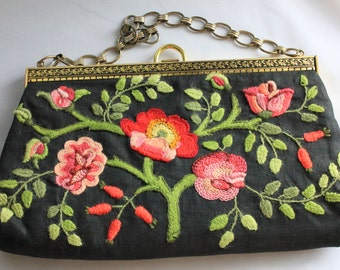 Vintage floral embroidered purse