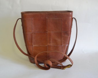Vintage Boho Medium Woven Leather Tote Bucket Bag - Cognac Brown - Crossbody