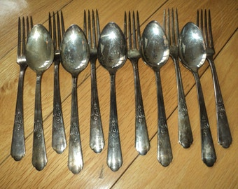 11 Pieces of Simeon L & George H Rogers Company XTRA Silver plated silverware Oneida Ltd.,  consisting of 6 matching forks and 5 spoons