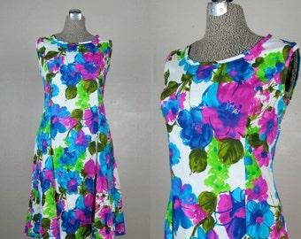 25% Off Summer Sale.... Vintage 1960s Cotton Dress 60s Vibrant Floral Summer Shift Dress by Flutterbye Size 8M