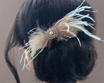 Champagne Feather Fascinator Bridal Feather Hair Clip Champagne Wedding Hairpiece Feather Headpiece Vintage Style Bridal Feather Accessories