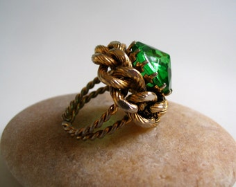 Vintage Cocktail Ring, 1980's Statement Ring,Faux Emerald, Costume Jewelry Evening Ring