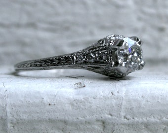Stunning Art Deco Vintage Filigree Platinum Diamond Engagement Ring - 1.00ct.
