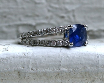Beautiful Vintage 18K White Gold Sapphire and Diamond Engagement Ring - 1.72ct
