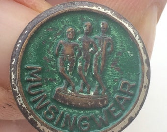 Green Munsingwear Pin