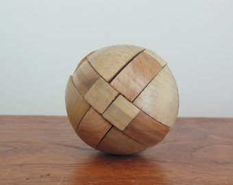 Wooden Puzzle Round Solid Wood Vintage Block Puzzle no Instructions