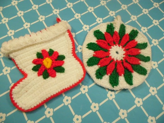 2 Crochet Christmas Pot Holders Vintage Kitchen
