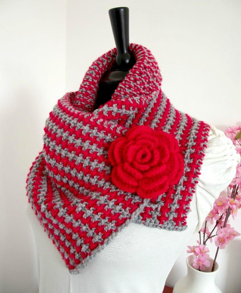 Bandana Cowl Knitting Pattern : KNITTING COWL PATTERN Bulky cowl scarf Charly cowl with