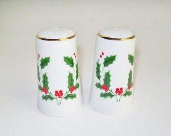 Vintage Holly Berry Salt and Pepper Shakers Set of 2 Made in Japan