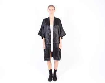 Chinese SILK Floaty Black Minimal Kimono Jacket / Robe / Duster - Versatile Staple