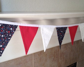 RED WHITE and BLUE Banner. Patriotic Pennant Banner. Patriotic Garland. Red white and blue garland. Patriotic Garland. Patriotic bunting.