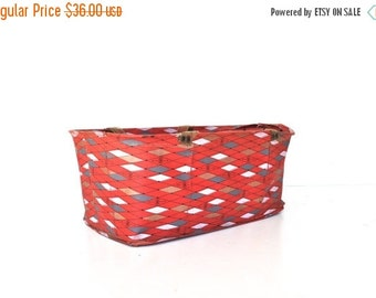 ON SALE Mid Century Picnic Basket - Carrying Tote