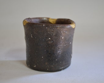Nanban sake cup 4866C, kintsugi repair wood fired