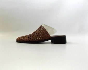 Cutout Leather Mule Shoes Womens Size US 8 Vintage 90s Brown Slip On Perforated Clogs Hipster Minimalist Open Back Sandals 1990s Minimal