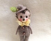 Needle felted hedgehog-Felted hedgie -Hedgehog Doll-Miniature toy-Stuffed animal plushie-Toys for Blythe-stuffed hedgehog-Amigurumi bear