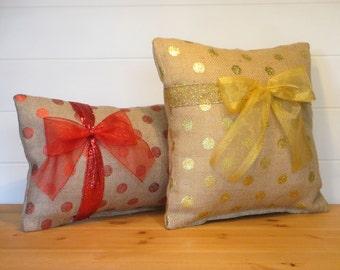 Burlap Christmas Pillow, Metallic Dots, Mittens Pillow, Winter Pillows, Santa Burlap Cushion, Believe Pillow, Seasonal Holiday Decor,